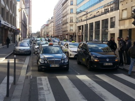 Les taxis ce mercredi matin - LyonMag