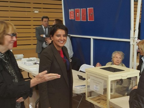 Najat Vallaud-Belkacem lors de son vote ce dimanche matin - LyonMag