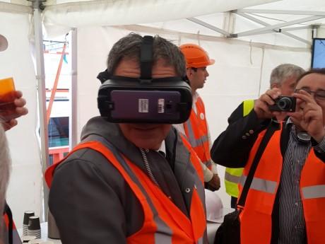 David Kimelfeld découvre la Sky 56 en VR - LyonMag