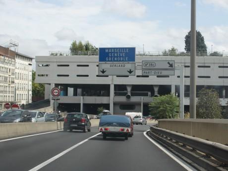 L'axe autoroutier passe actuellement sous l'échangeur de Perrache - LyonMag