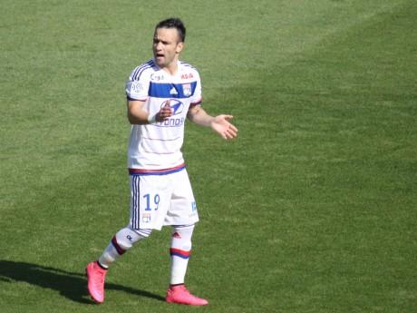 Mathieu Valbuena sous le maillot de l'OL - LyonMag