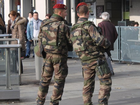 Des militaires dans le centre-ville de Lyon - LyonMag