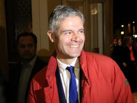 Laurent Wauquiez et sa légendaire doudoune rouge - LyonMag