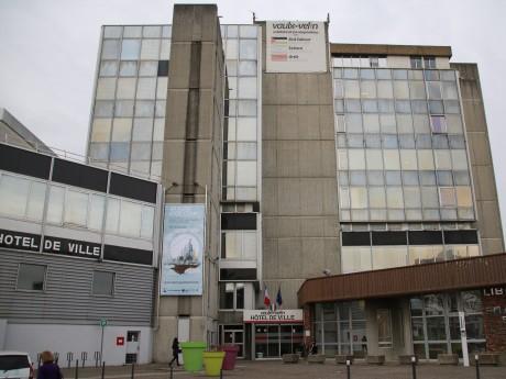 La mairie de Vaulx - LyonMag