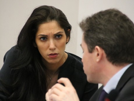 Emmanuelle Haziza en intense discussion avec Jean-Wilfried Martin - LyonMag