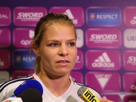 Malgré sa blessure à l'arcade, Eugénie Le Sommer a marqué contre Bordeaux - LyonMag