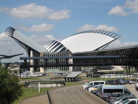 Le TGV s'est arrêté en gare de Lyon Saint-Exupéry - LyonMag