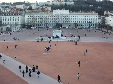 La place Bellecour interdit à la manifestation - LyonMag.com