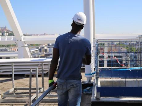 Un ouvrier sur un chantier de Lyon - LyonMag