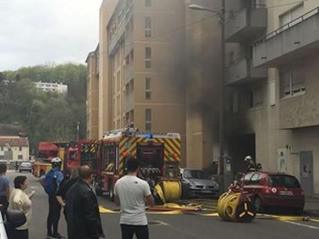 Photo de l'immeuble en feu - LyonMag.com