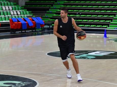 Mantas Kalnietis à l'entraînement - LyonMag