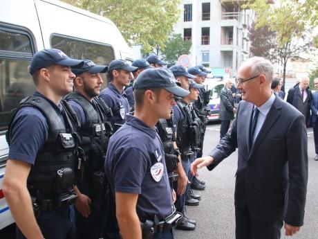 Stéphane Bouillon, ex-préfet du Rhône, avec la police lyonnaise - LyonMag