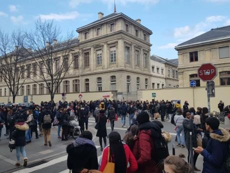 Des étudiants de l'université Lyon 2 - LyonMag