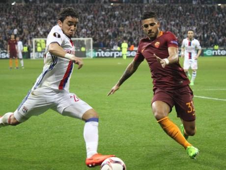 Rafael a également une forte expérience européenne, grâce à son passage à Manchester United - LyonMag