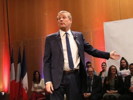 Nicolas Dupont-Aignan lors de sa venue à Lyon lors de la campagne présidentielle 2017 - LyonMag