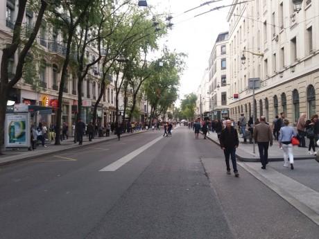 La rue de la Ré, entre Cordeliers et Hôtel de Ville - LyonMag
