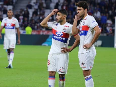 Clément Grenier, ici avec Nabil Fekir, lors de sa seule apparition au Groupama Stadium cette saison - LyonMag