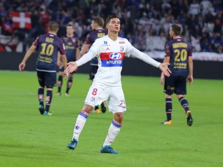 Houssem Aouar, le futur Iniesta du FC Barcelone ? - LyonMag