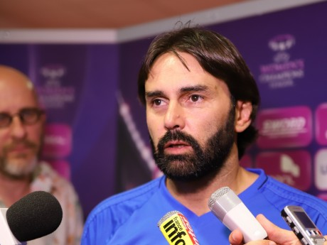 Reynald Pedros va devoir mieux préparer son équipe au match retour - LyonMag