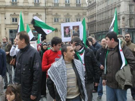 Les Syriens samedi dernier sur la place des Terreaux - LyonMag