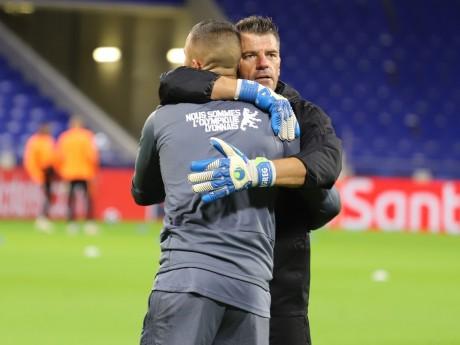 Anthony Lopes dans les bras du Stéphanois préféré des Lyonnais, Grégory Coupet - LyonMag