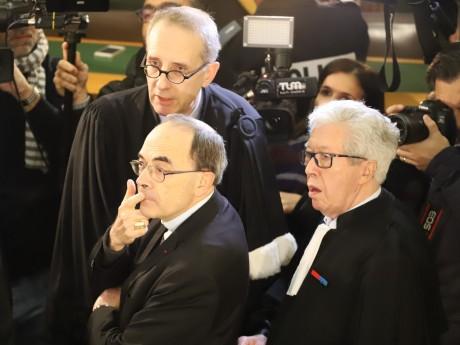 Le cardinal Barbarin, entouré de ses avocats Mes Luciani et Soulier - LyonMag