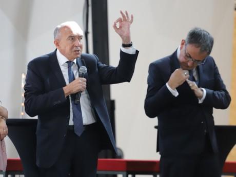 Gérard Collomb remporterait une première bataille face à son rival - LyonMag
