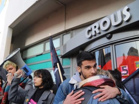Plusieurs manifestations ont eu lieu devant le Crous de Lyon, en soutien d'Anas - LyonMag