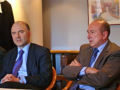 Gérard Collomb et Pierre Moscovici lors du passage de ce dernier à LYon en soutien aux candidats socialistes des Cantonales de Mars 2011 - LyonMag