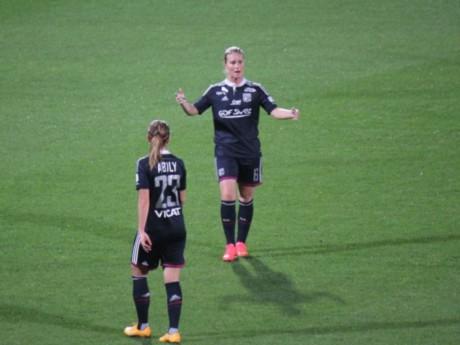 Amandine Henry (à droite) et Camille Abily (à gauche) - LyonMag.com