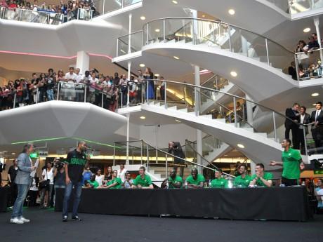 Plus de 1000 personnes présentes à la Part-Dieu - LyonMag