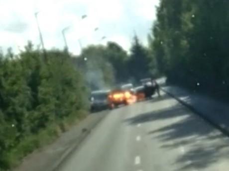 Le fourgon a été attaqué sur le boulevard urbain Est à Vénissieux - DR/France 3
