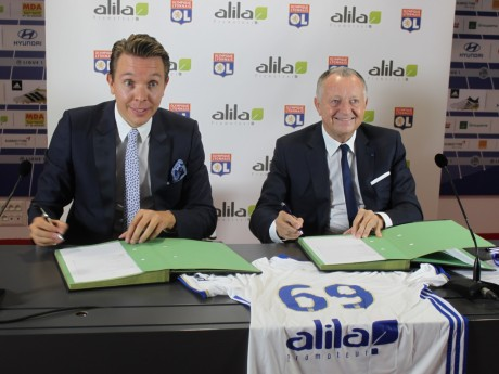 Hervé Legros (Alila), aux côtés de Jean-Michel Aulas lors de la signature de leur partenariat - Lyonmag.com