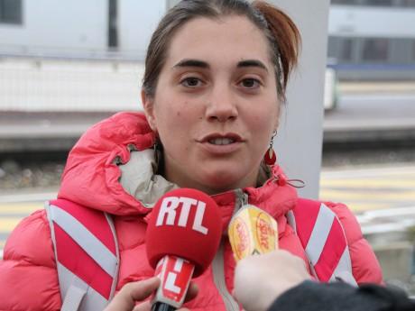 Aurore Gros-Coissy sur le quai de la gare de la Part-Dieu - LyonMag