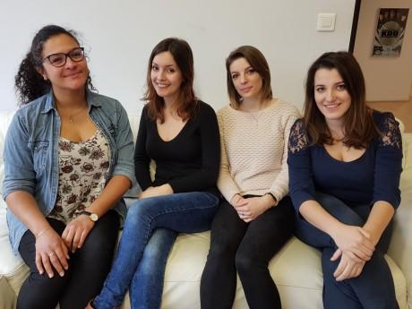 Noémie, Tina, Margaux et Tiphany du projet Blouses Art - LyonMag
