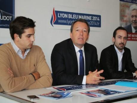 Christophe Boudot, entouré de son directeur de campagne Pierre-Alexandre Martin et de Romain Vaudan - LyonMag