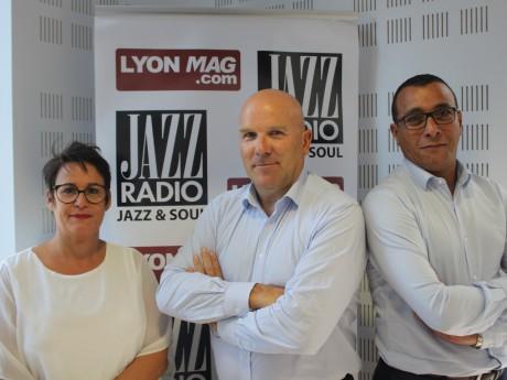 Bruno Bonnell, entouré de Nathalie Cayuela et Smail Azouzi - LyonMag
