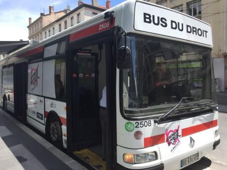 Le bus du droit lors de son lancement en juin dernier - LyonMag