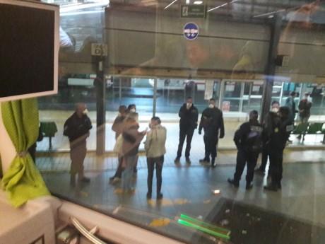 Photo d'un passager à bord du bus confiné à la gare de Perrache ce lundi matin - DR