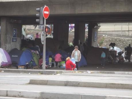 Le camp d'Albanais abrite 300 personnes depuis cet été - LyonMag