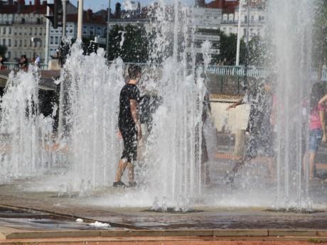 Des records de chaleur ont été battus en juillet 2015 à Lyon - LyonMag.com