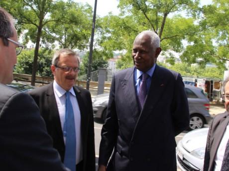 Abdou Diouf, ici avec le préfet du Rhône - LyonMag