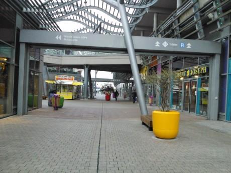 Le centre commercial Carré de Soie, à Vaulx-en-Velin - LyonMag