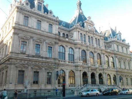 Le tribunal de commerce de lyon accorde un sursis zilli - Chambre de commerce et d industrie lyon ...