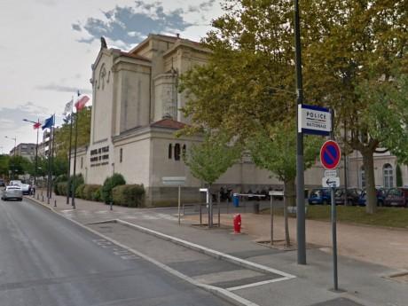 L'extérieur de la chapelle Saint-Joseph de l'Hôtel de Ville de Caluire - Capture Google Maps
