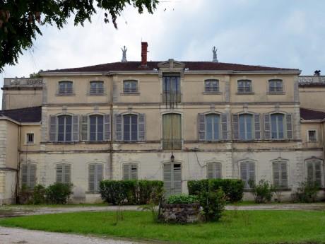 Le château de Saint-Maurice-de-Rémens - DR