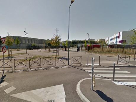 Le collège Aimé Césaire à Vaulx-en-Velin - DR Google Street View