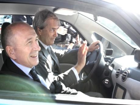 Gérard Collomb et Vincent Bolloré dans la BlueCar - LyonMag