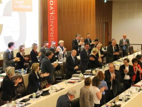 Gérard Collomb applaudi par les élus de la Métropole - Lyonmag.com
