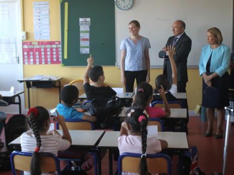 Gérard Collomb en visite à l'école Louis Pergaud ce jeudi - LyonMag.com